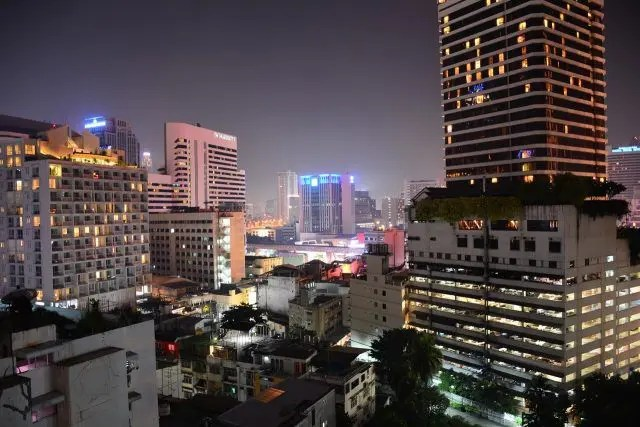 Bangkok is a beautiful city, but overwhelming. Here's how not to hate it on your first trip to the city.