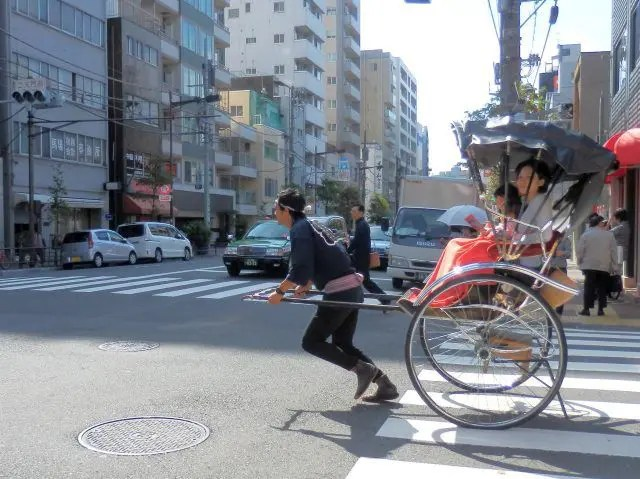 Booking a rickshaw ride is one of the fun things to do in Askakusa