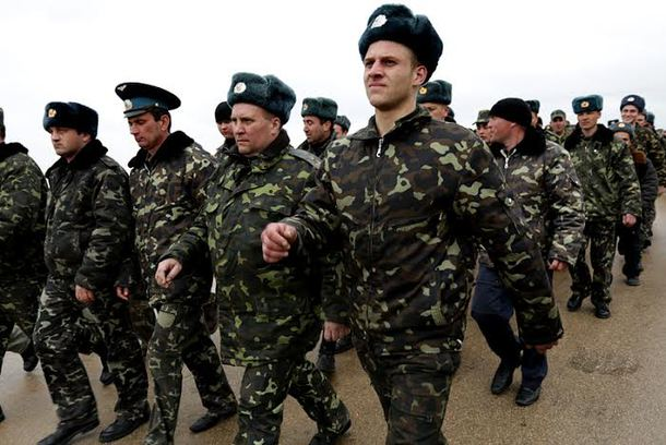 2014-03-04 Unarmed Ukrainian Soldiers