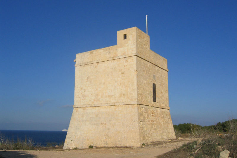 Għallis Tower in Malta. Copyright H.J.Moyes (harry@shoka.net) Sept 2005.
