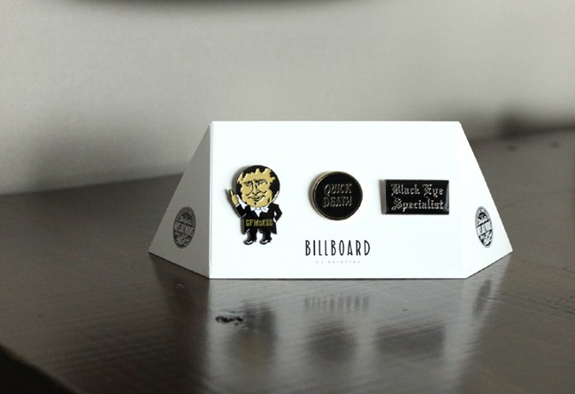 BILLBOARDPINBADGESET001