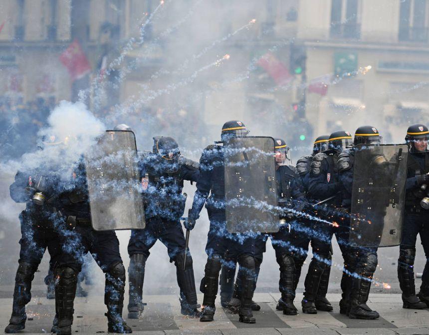 e 60 - 28 imágenes que muestran el drama de las protestas en Francia