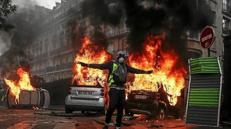 p 35 - 28 imágenes que muestran el drama de las protestas en Francia