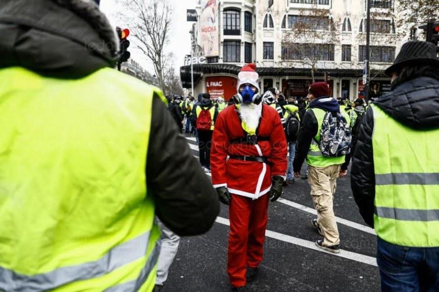u 20 - 28 imágenes que muestran el drama de las protestas en Francia