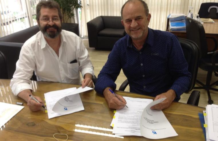 Prefeitura de Assis assina, em São Paulo, contrato com a Sabesp pelo prazo de 30 anos