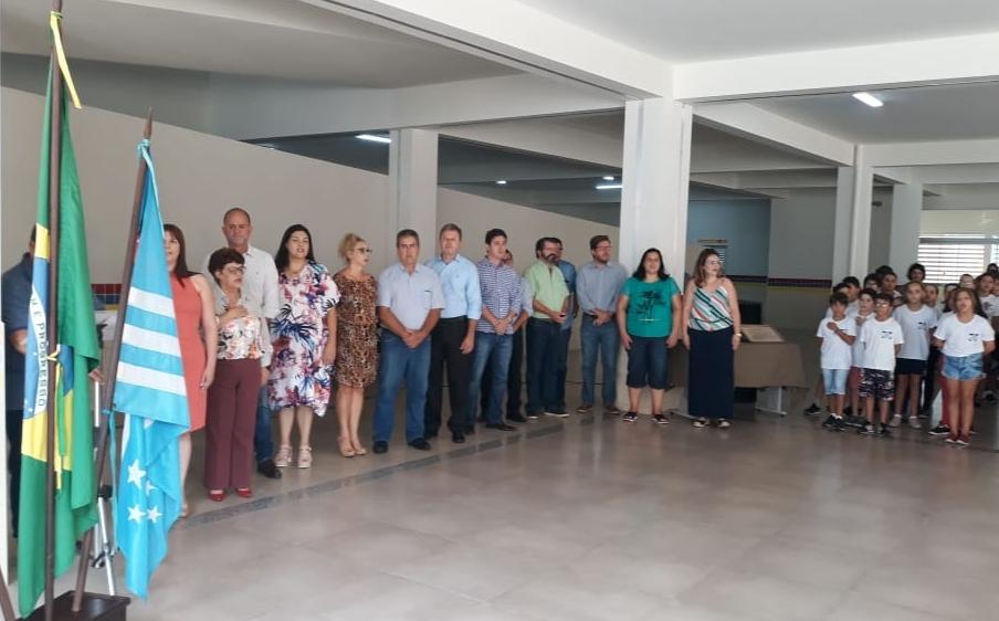 Secretaria de Educação entrega novo prédio da escola municipal Lucas Thomas Menk