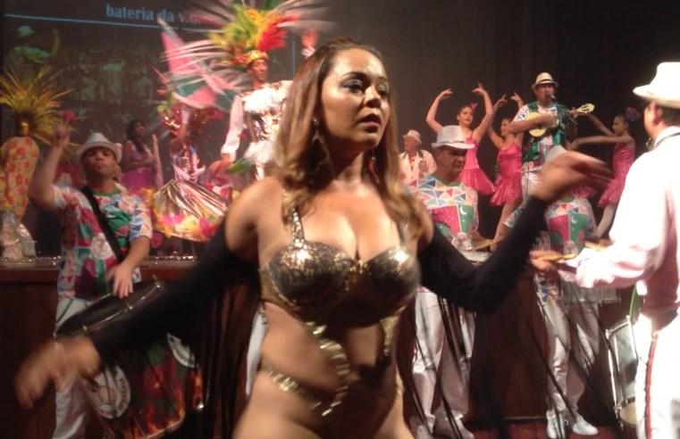 Desfile da Escola de Samba da V.O e blocos animam o período de Carnaval em Assis