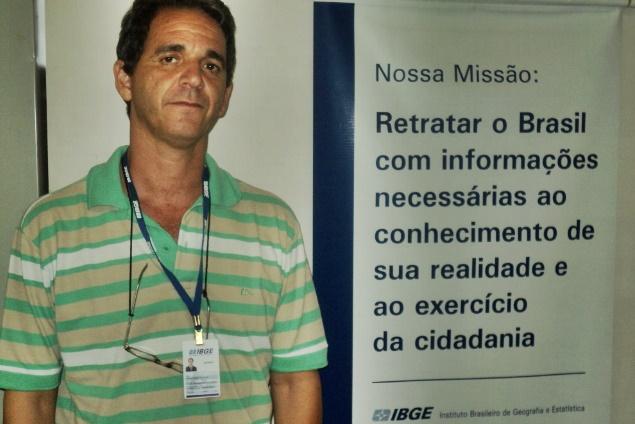 Organizando mapas para novo censo, agentes do IBGE fazem varredura nas cidades da região