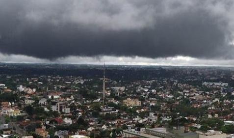 Defesa Civil e Corpo de Bombeiros de Assis orientam sobre os riscos das 'chuvas de verão'