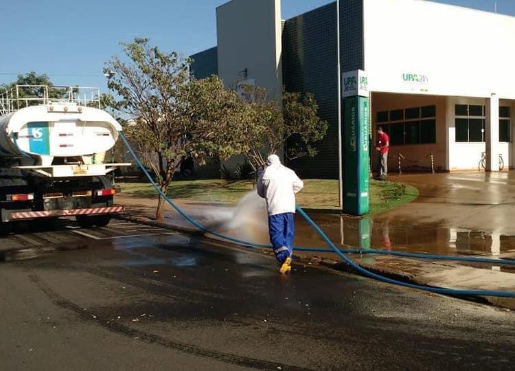 Prefeitura e SABESP realizam pela 2ª vez assepsia em áreas hospitalares no combate ao COVID-19