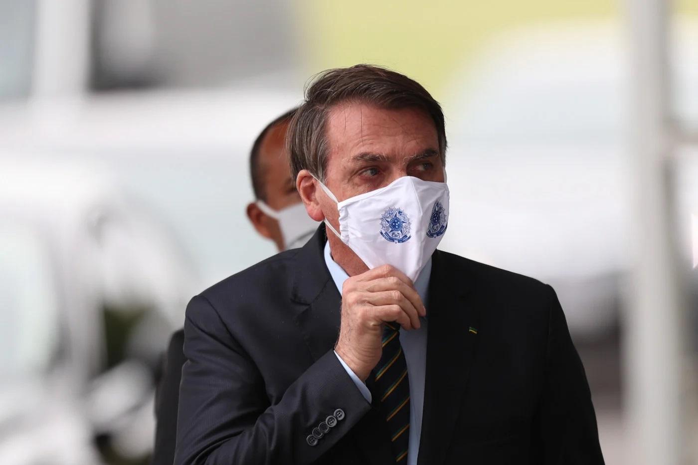 Bolsonaro diz que decisão de reabrir escolas é de governadores e prefeitos