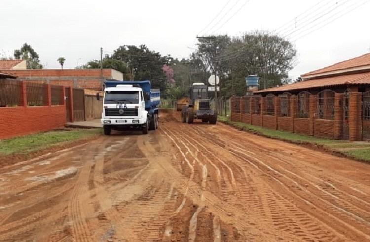 Prefeitura inicia pavimentação asfáltica no Cervinho