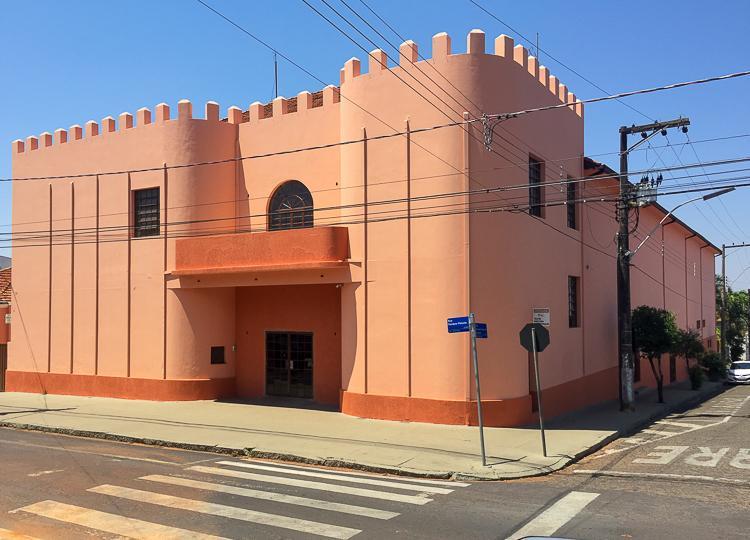 Teatro Municipal será climatizado com 14 ares-condicionados