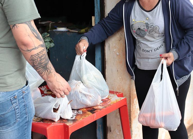 Pais de alunos da Rede Municipal devem fazer adesão para receberem Kits de alimentos