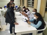 Saúde de Assis realiza 'Corujão' da vacina contra COVID aos jovens com 23 anos ou mais, sem comorbidades, nesta quarta-feira, 4