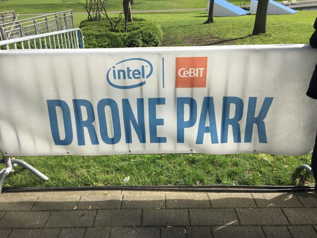 """Bild eines Plakates mit dem Logo """"Drone Park"""""""