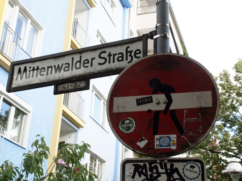 Arte urbano de Clet en Berlín