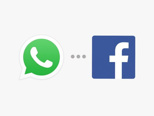 Facebook con el botón de WhatsApp