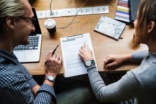 freelancer or employee legal obligations