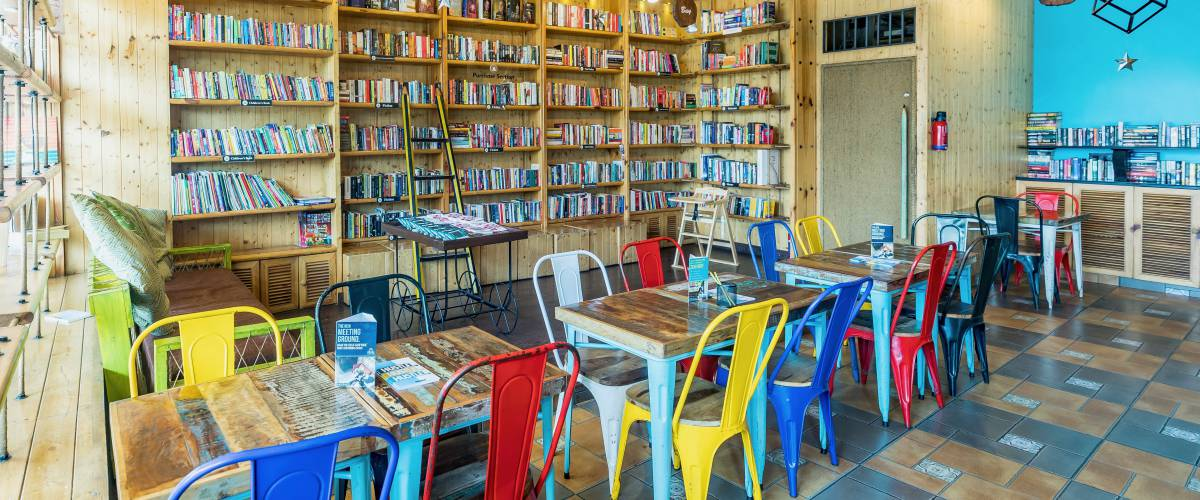 book meeting rooms in Delhi - The Readers Cafe
