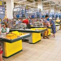 Під час свят торгові мережі наживаються на покупцях і обманюють їх
