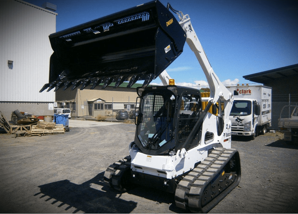 https://i0.wp.com/digga.co.za/wp-content/uploads/2019/07/heavy-duty-4-in-1-bucket-attachments-skidsteer-2.png