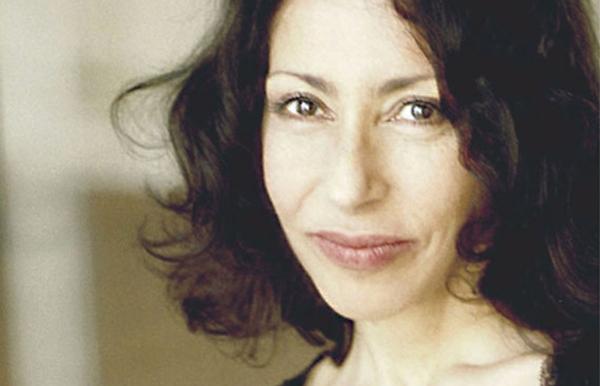 """Yasmina Reza, reconocida por su obra de teatro """"Arte""""."""