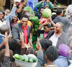 UPND leader Hakainde Hichilema and his vice Geoffrey Bwalya Mwamba during a stop over at Chisamba on their way back from Luanshya today, January 18, 2017.