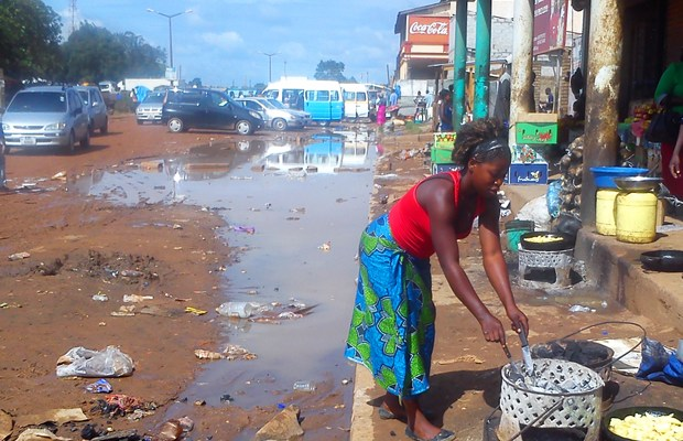 Street vendors on the streets of Kabwe: File picture