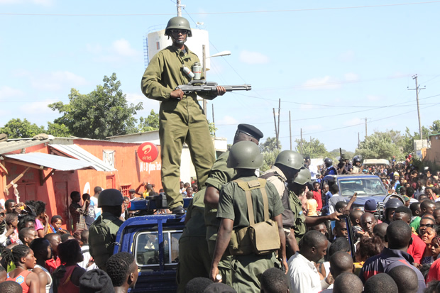 police officers keeping vigil during riot in Lusaka's Zingalume Compund-picture by Tenson Mkhala