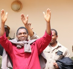 UPND leader Hakainde Hichilema being taken back to Lusaka Central Prison-picture by Tenson Mkhala