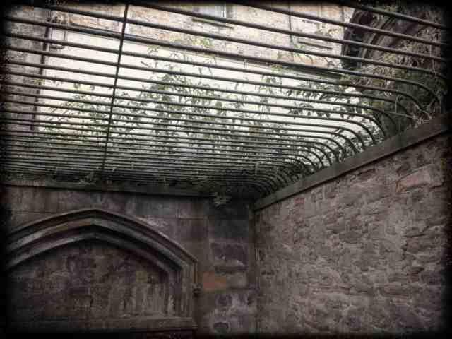 Caged lair designed to prevent body snatching. Edinburgh greyfriars Kirkyard, Scotland