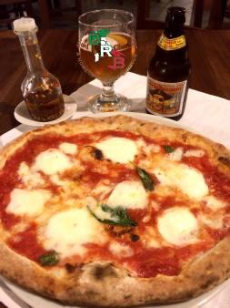Italian Food - Naples Pizza