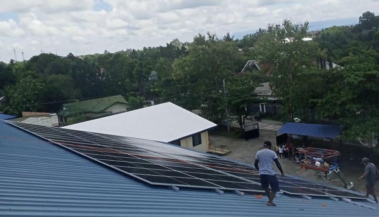 La Carlota may solar powered nga gymnasium