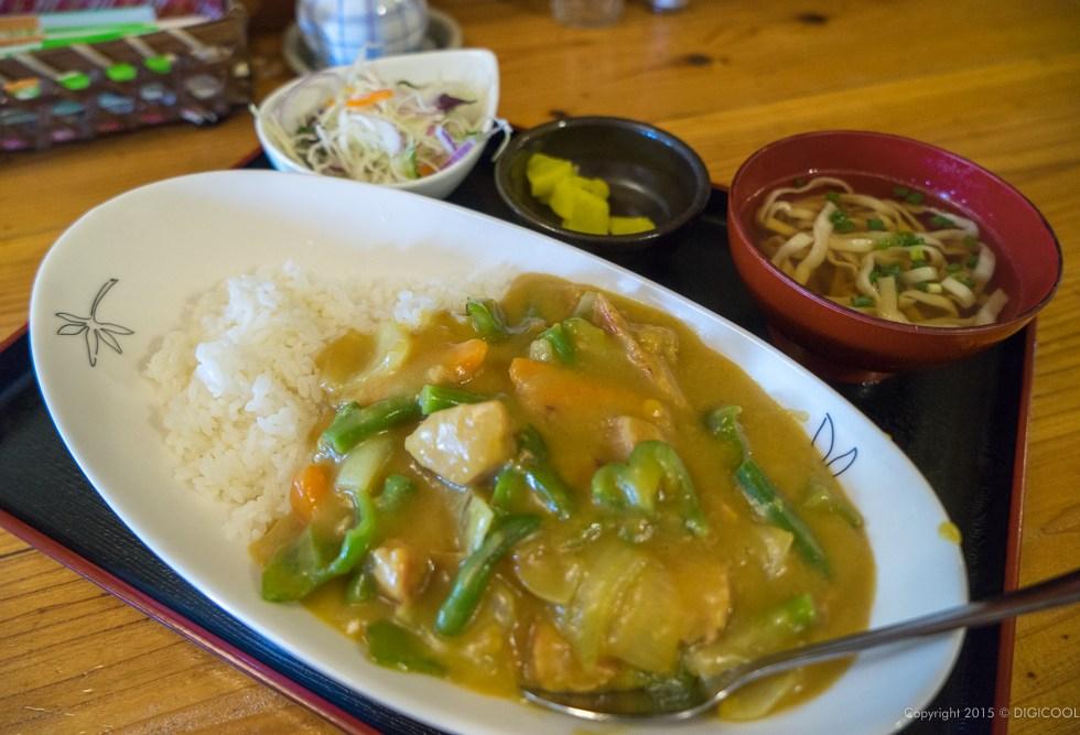 琉食酒 えのぐの黄色いカレー