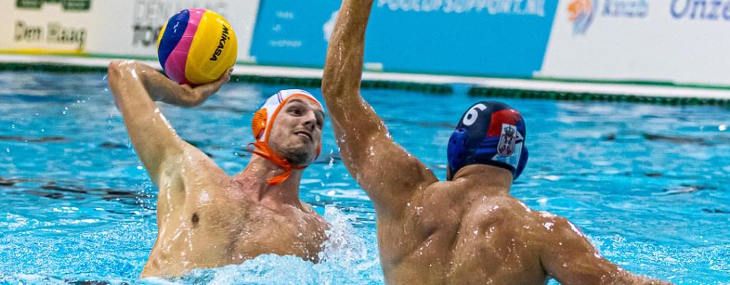 Nederlandse Waterpolomannen tegen Servië ~ NFINA World League