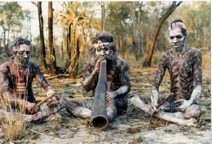 Risultati immagini per Allo stesso modo, il didgeridoo fa riemergere sensazioni arcaiche e potenti