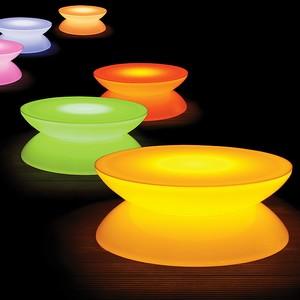 バッテリー搭載の光るLEDテーブル