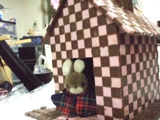 チロルチョコ1,000個で家を作ってみた