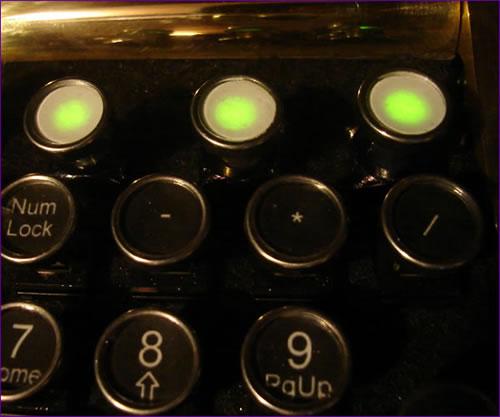 タイプライターなキーボード「von Slatt Original Keyboard」