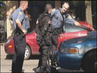 バイオハザード4のコスプレをしていた男性、強盗と勘違いされて逮捕