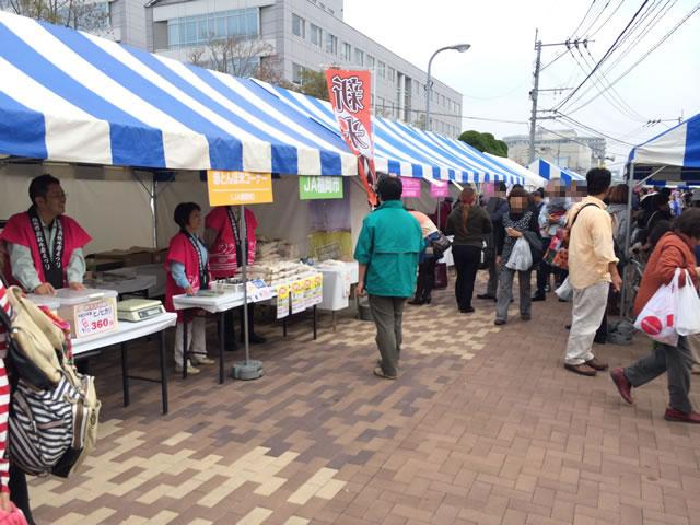 report-131109-nagahama-sengyo-market34