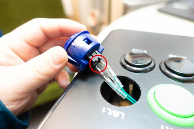 アーケードコントローラーのボタンの交換