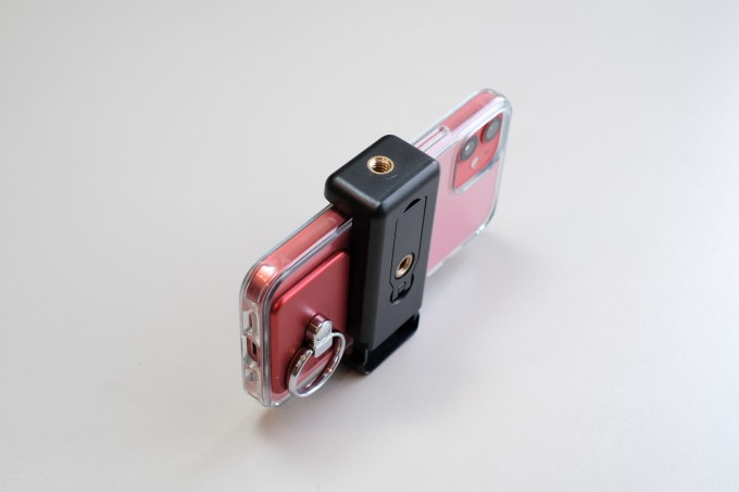 iPhone mke200 ヘッドフォンアダプター ライトニング