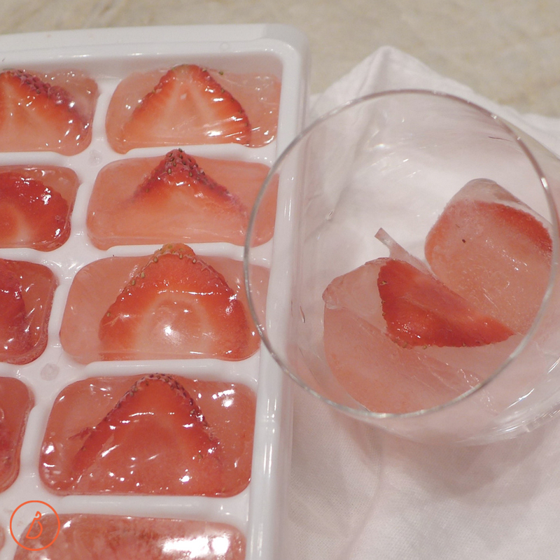 Strawberry Spiked Limeade with fruity ice cubes. Recipe and variations at diginwithdana.com