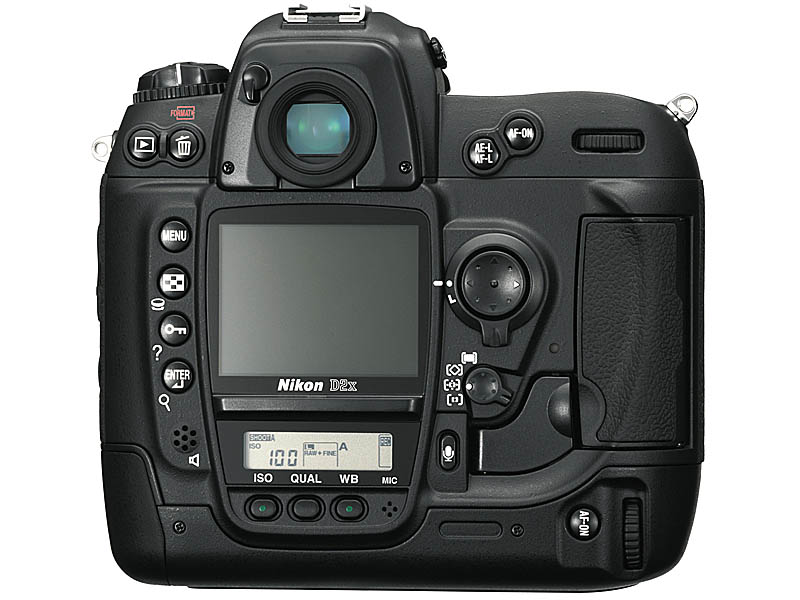Digiscoped.com -Review of the Nikon D2x Camera