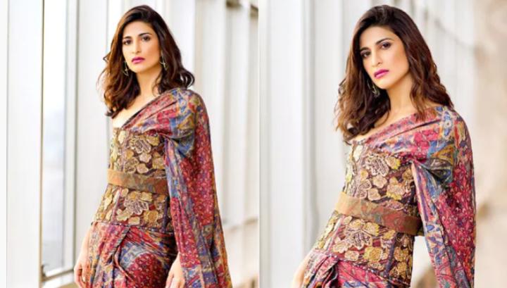 Life Shall Not Be A Bollywood Movie But Aahana Kumra Still Looks Like gorgeous Heroine In a Corset Saree