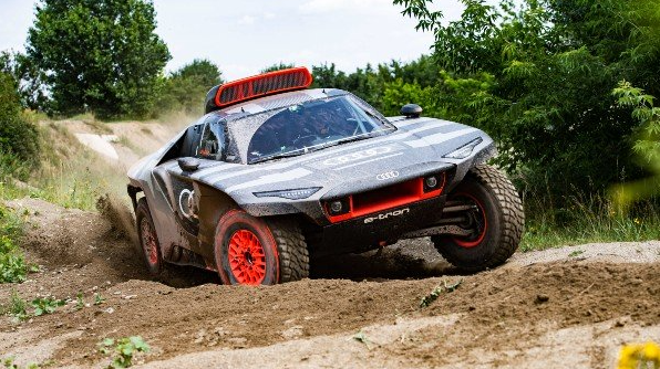 Audi RS Q e-tron 2022 Dakar Revealed