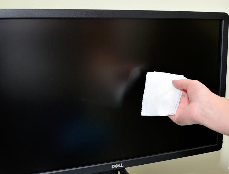 Clean-a-Computer-Monitor_LCD-Screen-Step-10.jpg