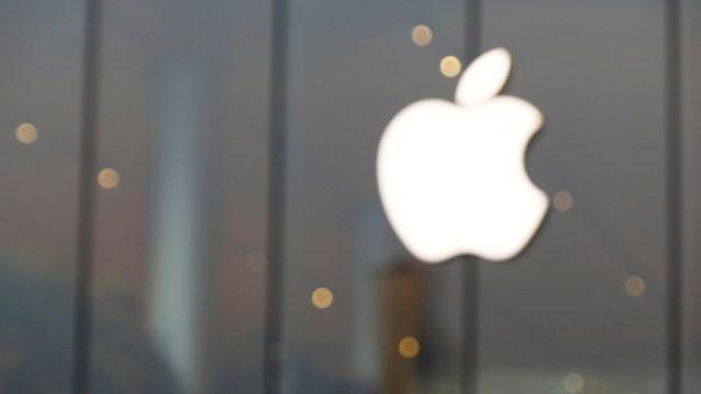 Australian teen hacked apple